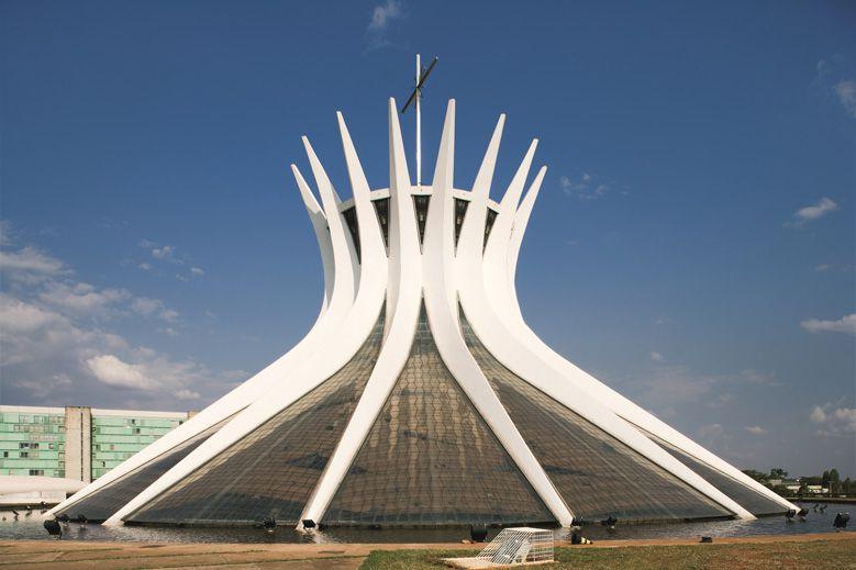 oscar-niemeyer-the-man-who-built-brasilia_004