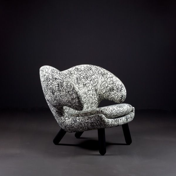 pelican-chair-75years-anniversary_03