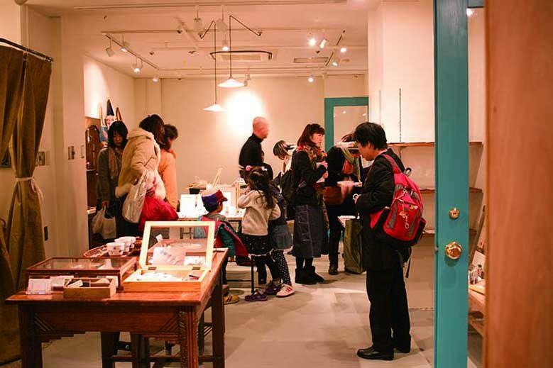 souvenir-shop-Otonari_02