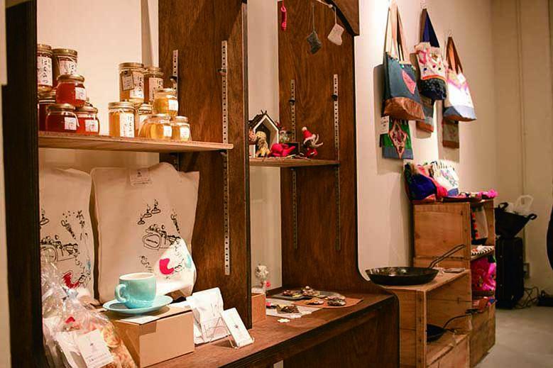 souvenir-shop-Otonari_03