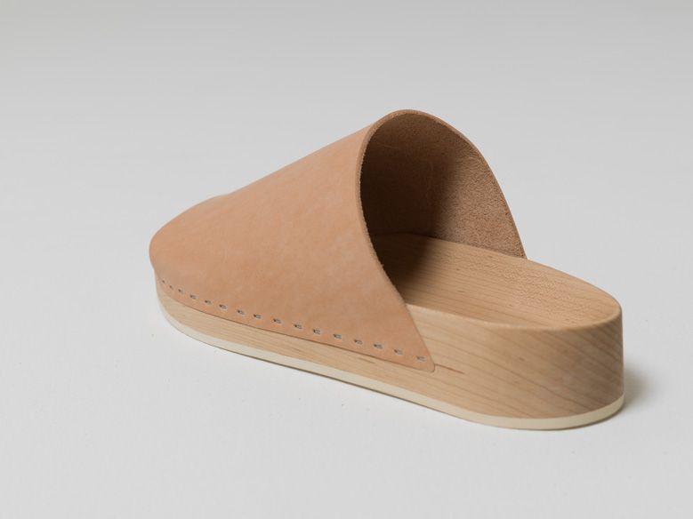 henderscheme-karimoku-sandal-and-shoemakerchair_004