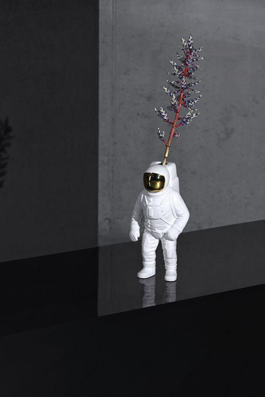 diesel-living-cosmicdinner_001