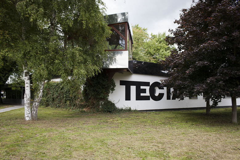 THIS IS TECTA_001