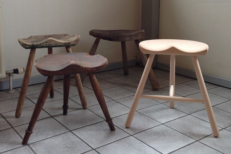 ACTUS_SHOE-MAKER-STOOL_WALNUT-MODEL_06