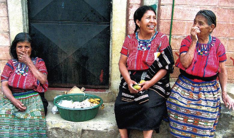 iloitoo-guatemalan-rainbowmarket_001
