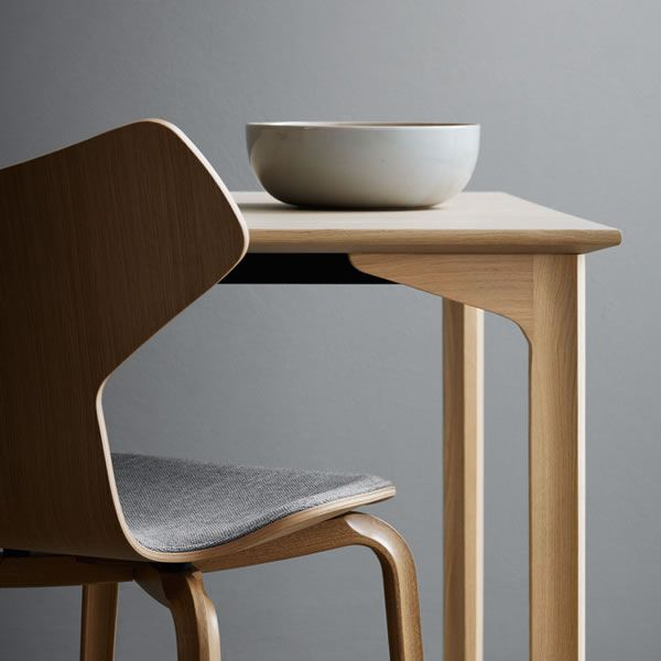 grandprix-table-revival_001