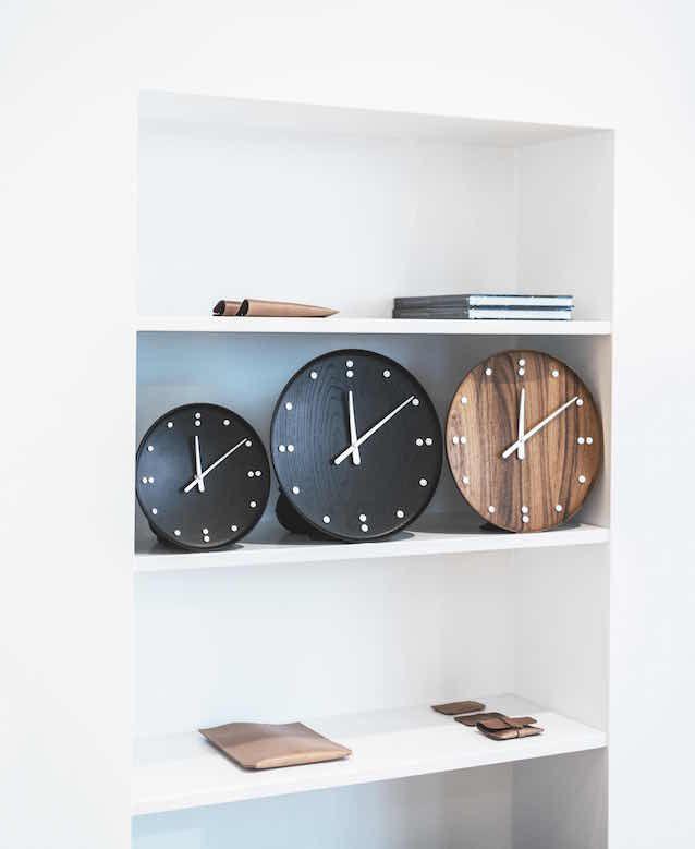 FJ-Clock_Black_01