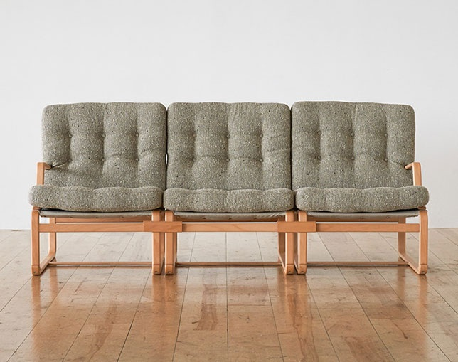 天童木工 Bruno Mathsson Sofaの写真