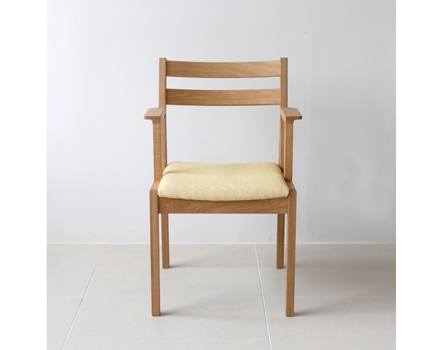 karf Tolime+ Short Arm Chairのメイン写真
