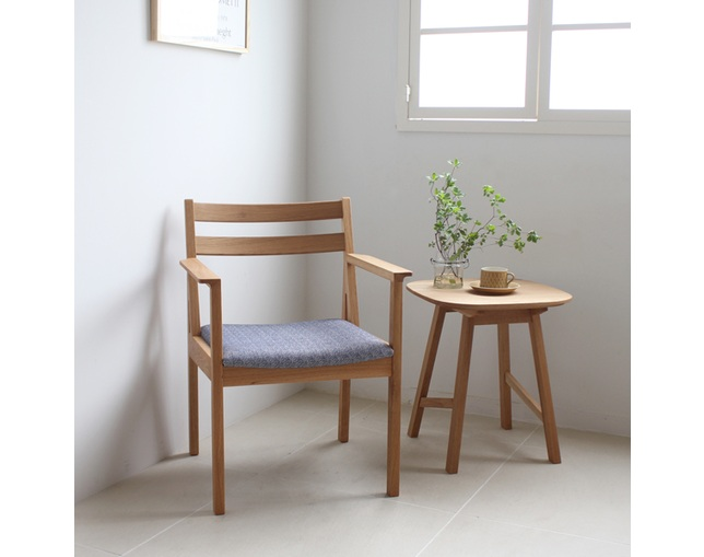 karf Tolime+ Arm Chairの写真