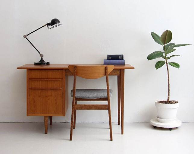 SAC WORKS WRITING DESK RF-004の写真