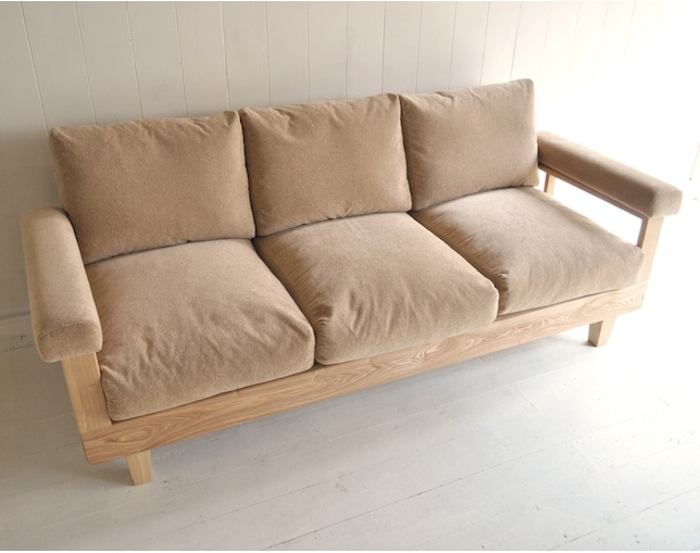 inu it furniture. A-82 ソファの写真