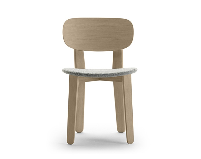 ALKI Triku Chair in oak - seat and back in oak / fabric / leatherのメイン写真