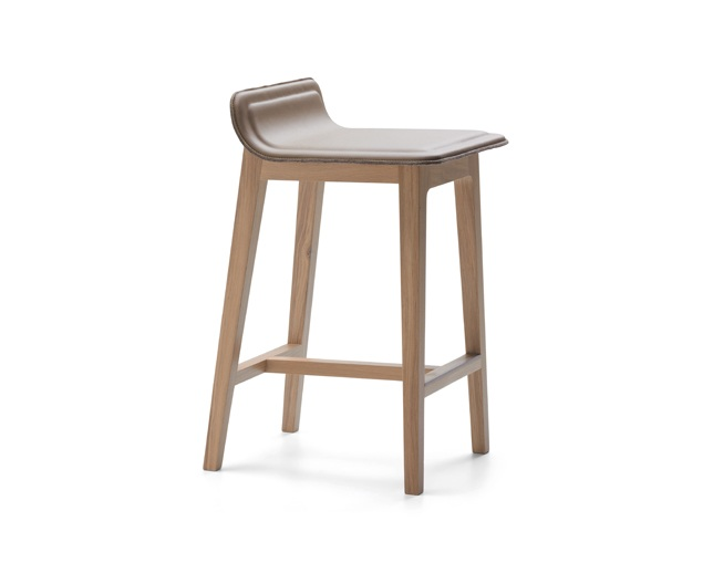 ALKI Low back stool - seat in fabric / leatherのメイン写真