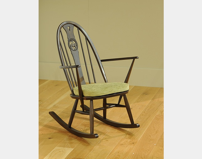 ercol 1891A rocking chairの写真