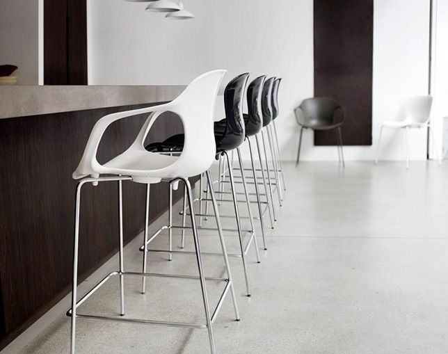 Fritz Hansen NAP COUNTER STOOL(ARMS)の写真
