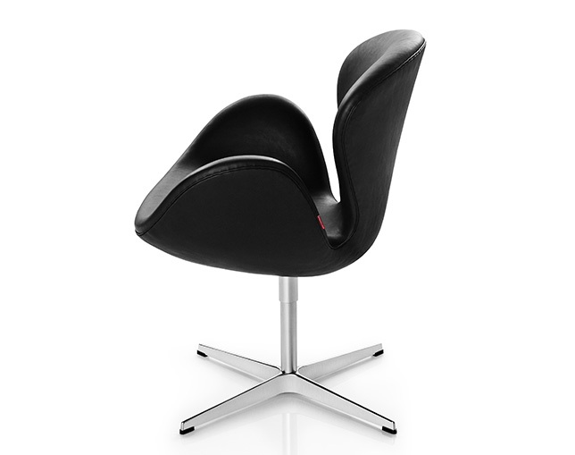 Fritz Hansen SWAN CHAIRの写真