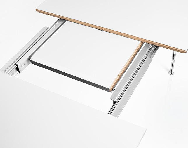 Fritz Hansen TABLE SERIES EXTENSION TABLEの写真