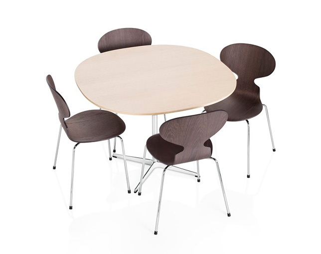 Fritz Hansen TABLE SERIES PEDESTAL BASE(4stars base、Supercircular)の写真