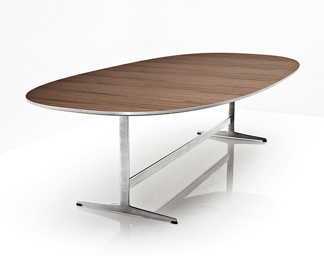 Fritz Hansen TABLE SERIES SHAKER BASE(Super-elliptical)のメイン写真
