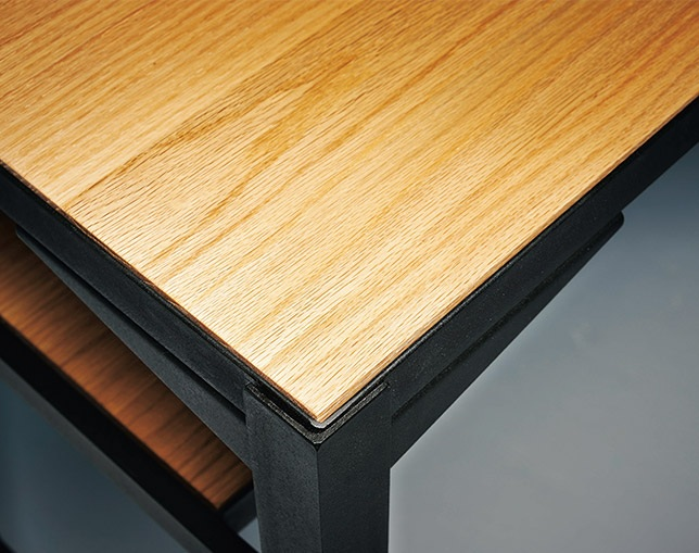 INDUSTRIAL DESIGN CHESTER counter tableの写真