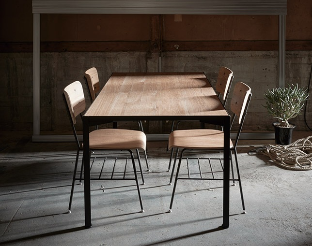INDUSTRIAL DESIGN CHESTER dining table 180のメイン写真