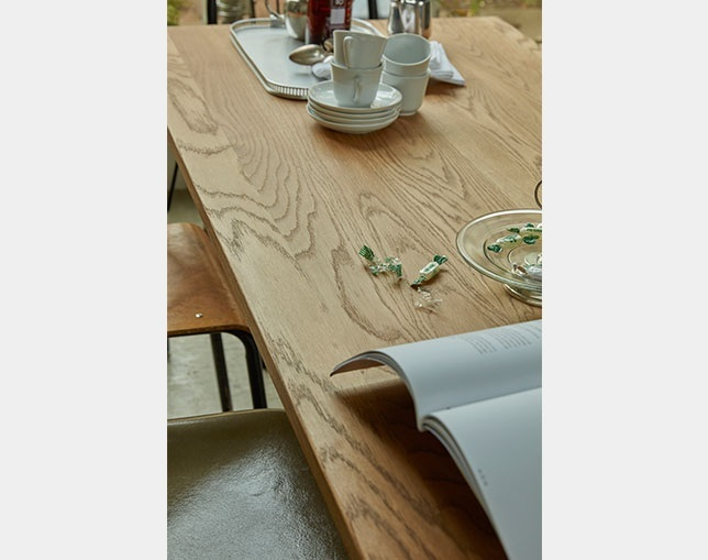 niko and ... FURNITURE & SUPPLY WHITE OAK DINING TABLEの写真