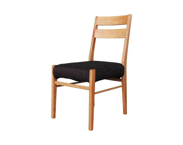 ISSEIKI ERISPLUS DINING CHAIR (NA)のメイン写真