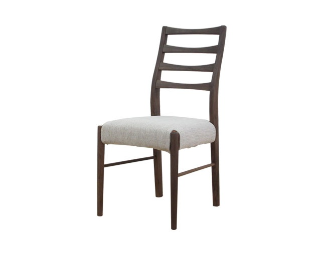 ISSEIKI VELOCE DINING CHAIR (W-PU)の写真