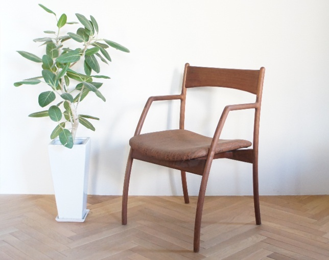 ANP interior design ANP chair with Arm(Walnuts)のメイン写真